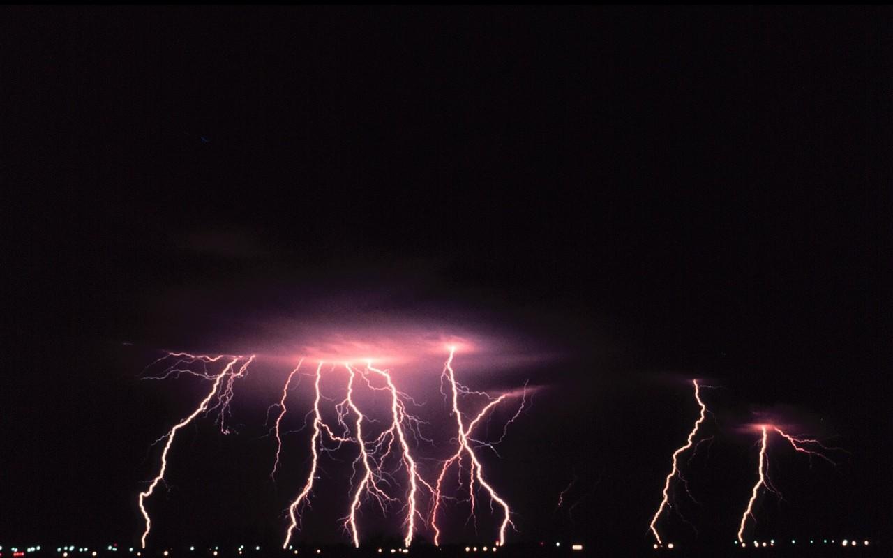 Streaming Big Data: Storm, Spark and Samza