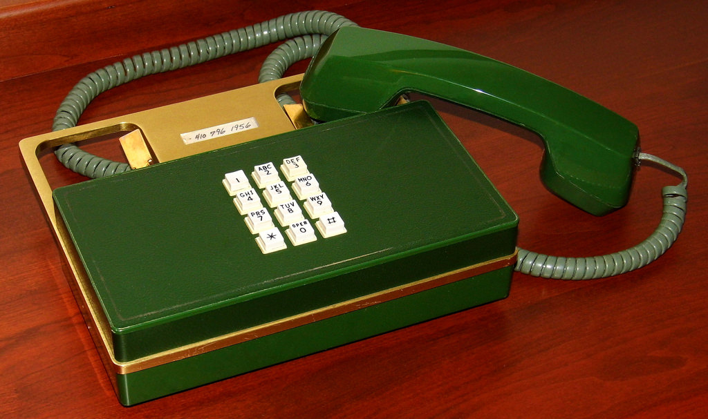 classy pic of nutty old phone by joe haupt on flickr