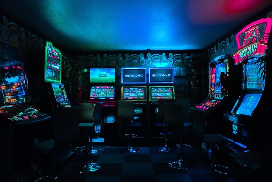 neon-arcade.