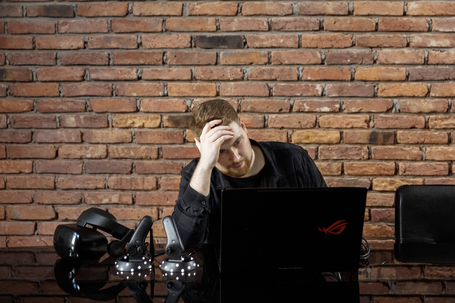 Developer thinking about which vr platform to use