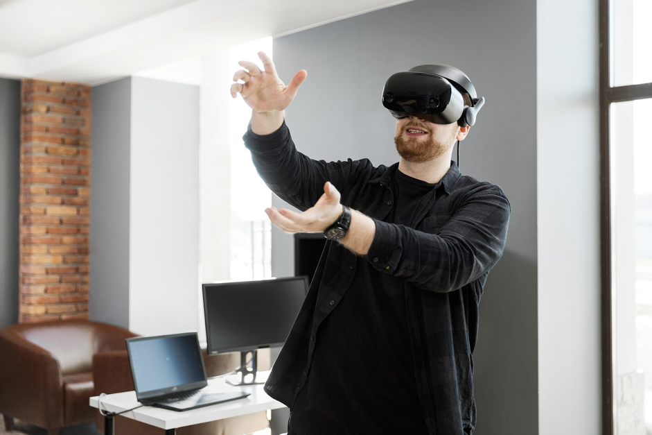 Man playing with vr
