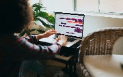 How Custom Software Fills the Gap in Hybrid Workforces