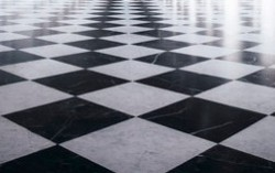 Tile Flooring Problem: Usage of Chain Responsibility Design Pattern